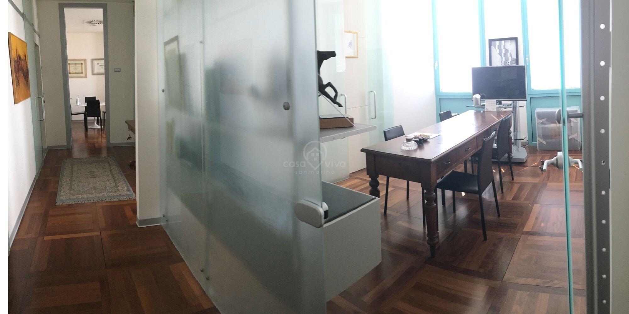 Dogana: zona centralissima elegante ufficio di 90 mq. al piano terzo
