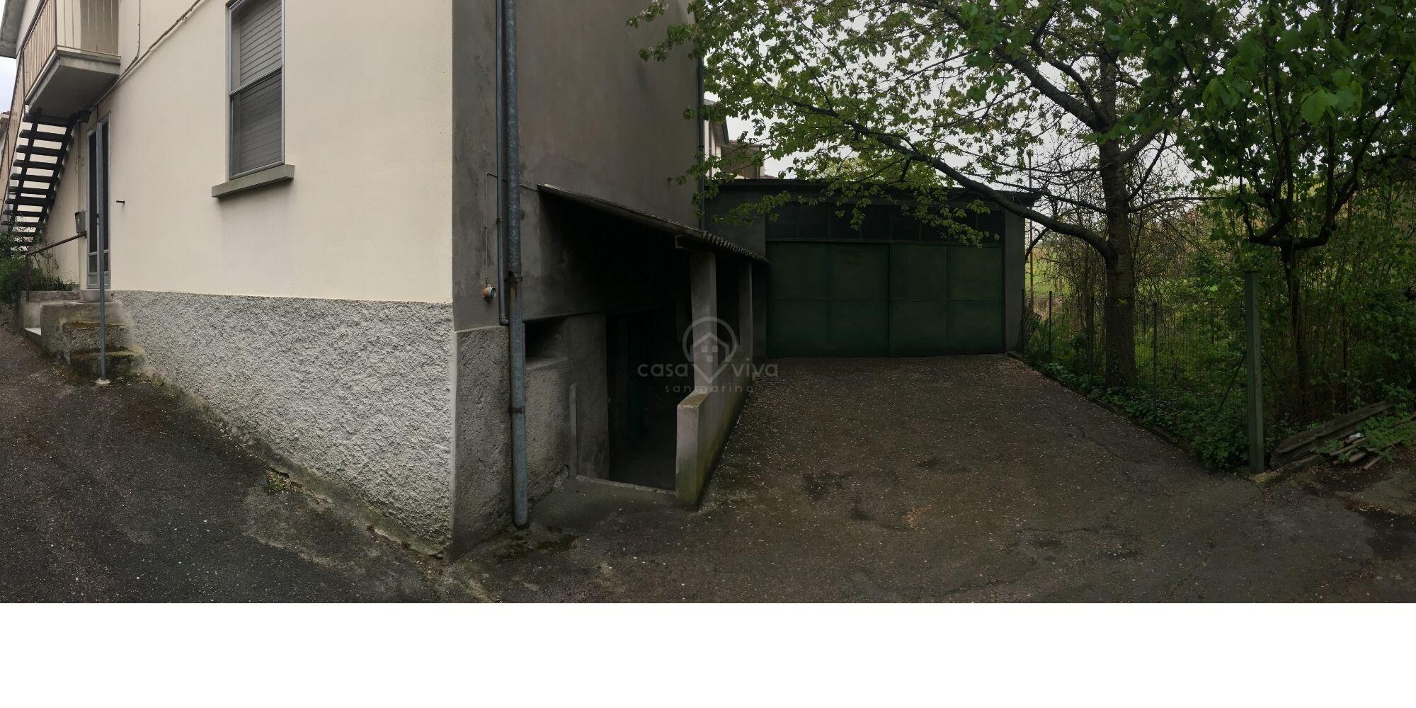 Dogana: Porzione di casa indipendente con giardinetto esterno